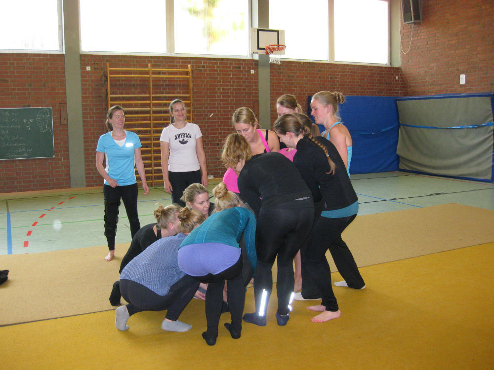 Akrobatikworkshop mit den Blue Unicorns